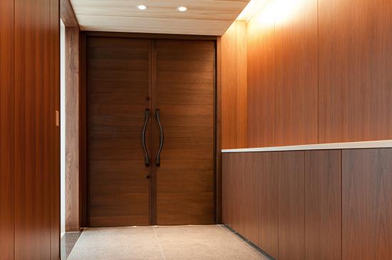 天然無垢材を使用したオンリーワン 世界に一枚だけのドア