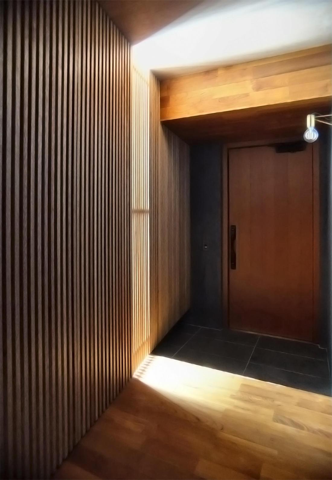 03 玄関 2.jpg